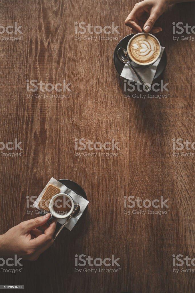 Freunde haben Kaffee  – Foto