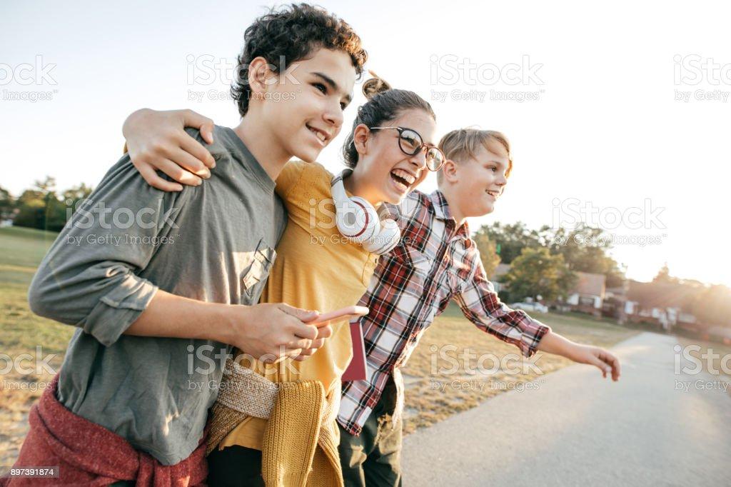 Freunde, die Spaß nach der Schule - Lizenzfrei 14-15 Jahre Stock-Foto