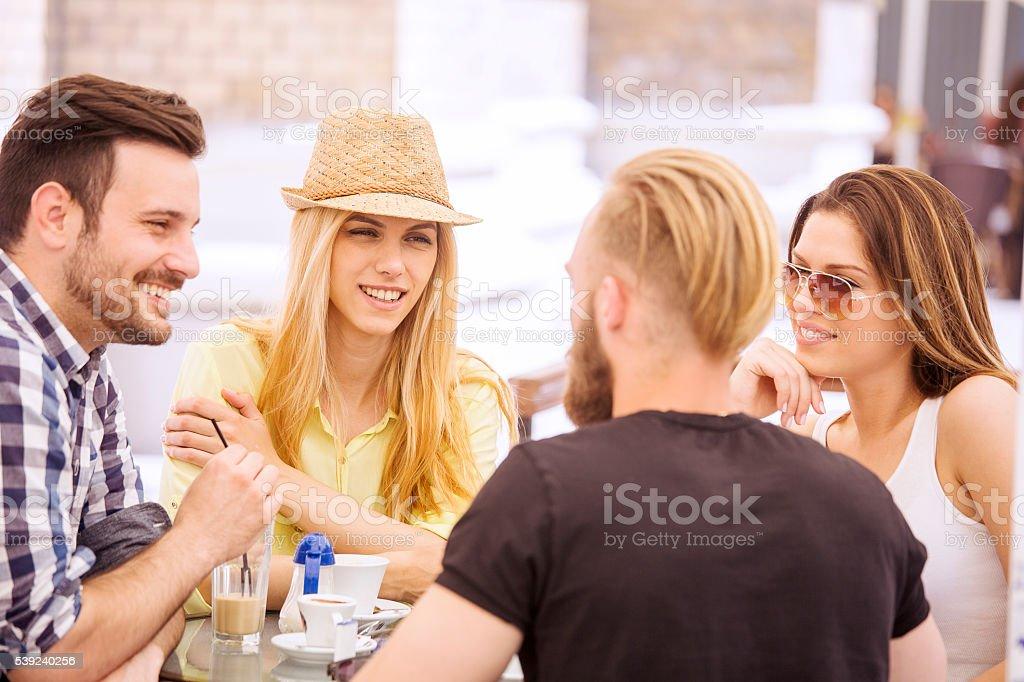 Amigos divirtiéndose  foto de stock libre de derechos