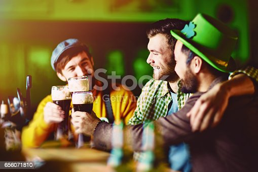 istock Friends in Irish Bar 656071810
