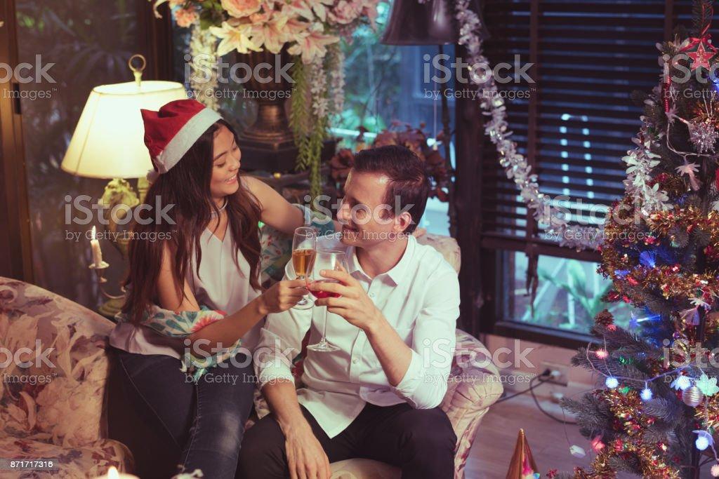 Weihnachten freunde treffen [PUNIQRANDLINE-(au-dating-names.txt) 38