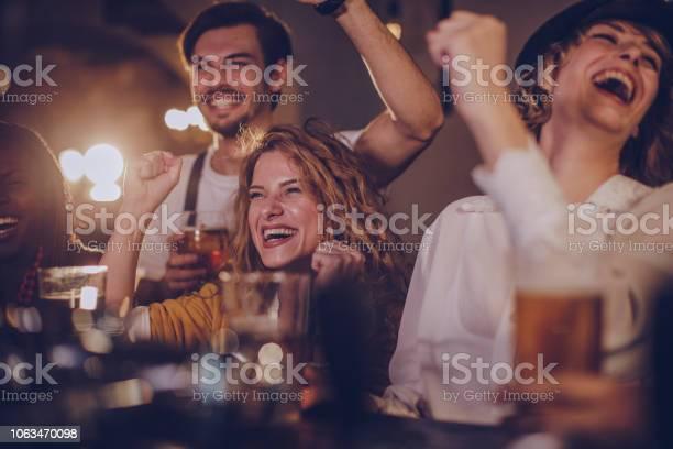 Friends in pub watching match picture id1063470098?b=1&k=6&m=1063470098&s=612x612&h=m lnisew gsle2wzumq6q3j7csbtlvrvk lkpaxe4zi=