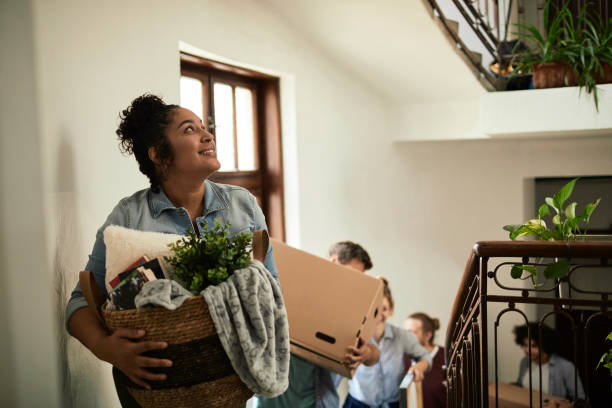 friends moving - physical activity stock pictures, royalty-free photos & images