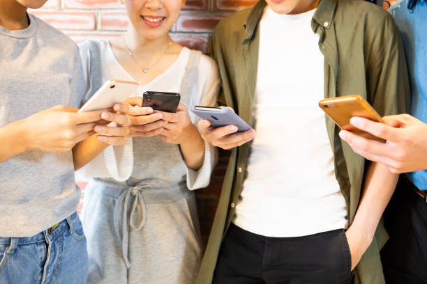 Freunde teilen interessante Apps – Foto