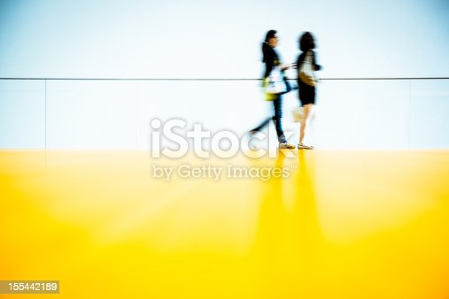 istock Friends Shopping 155442189