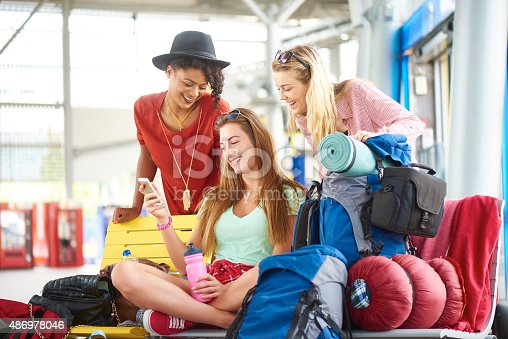 487056916 istock photo Friends travelling 486978046
