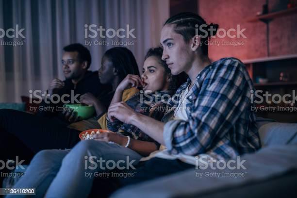 Friends watching tv picture id1136410200?b=1&k=6&m=1136410200&s=612x612&h=itgpy87rhcor4o9sqyjb qbmbbkx5wkn0xtjrlg0ljs=