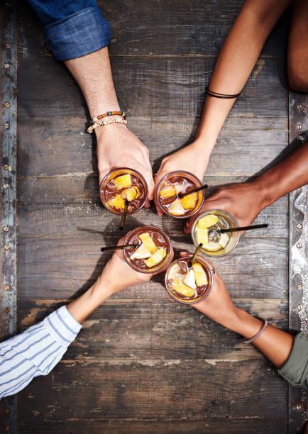 Freundschaft ist der Klebstoff, der das Leben zusammenhält – Foto