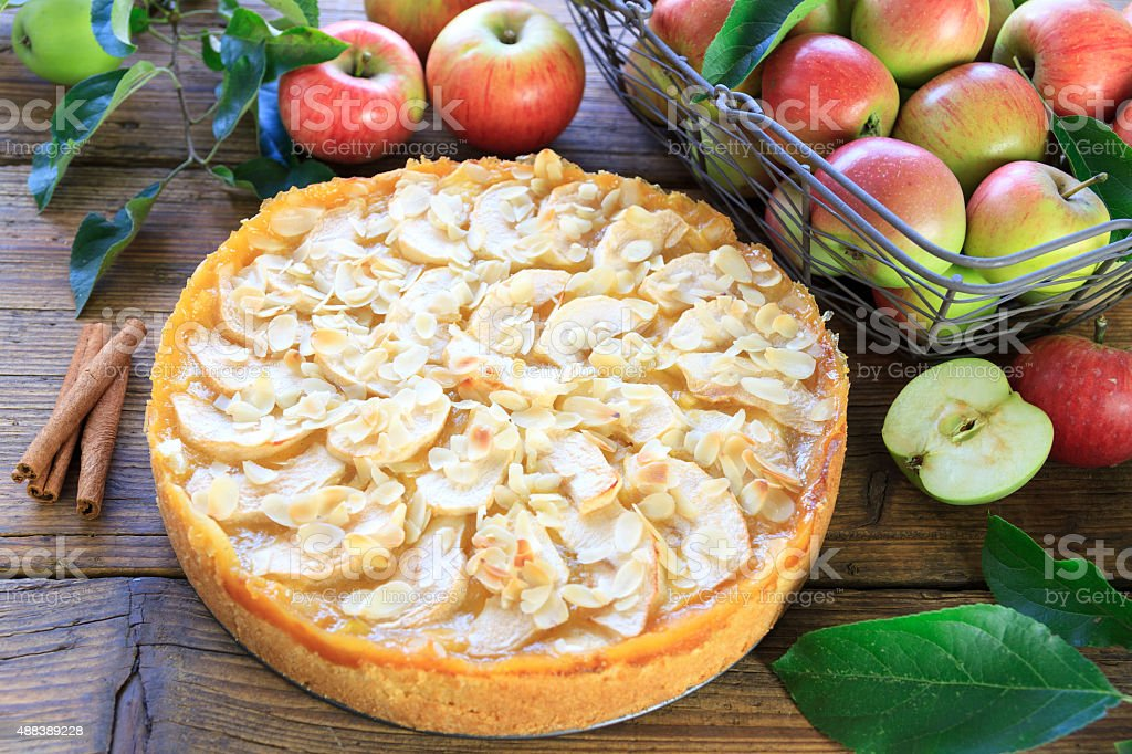 frisch gebackener Apfelkuchen stock photo