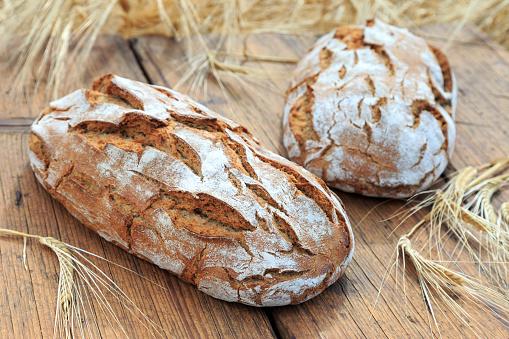 Frisch Gebackenes Brot Stock Photo - Download Image Now