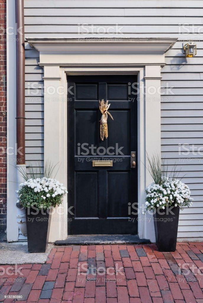 Vordere schwarze Tür – Foto