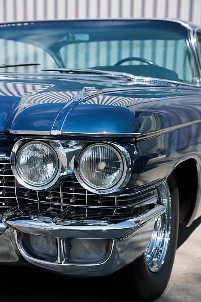 der detail eines vintage car, cadillac coupe de ville - oldtimer veranstaltungen stock-fotos und bilder