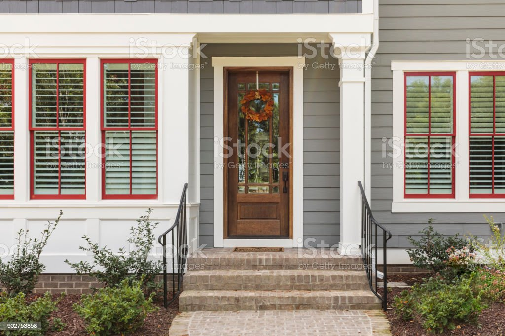 Haustür, Vorderansicht des Hauses – Foto
