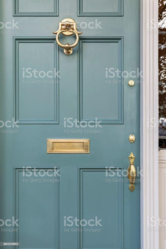 Haustür, Türkis gefärbt mit Messing vernickelt Befestigungen – Foto