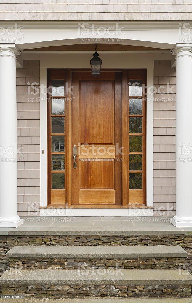 Tür mit Treppe und Arch – Foto