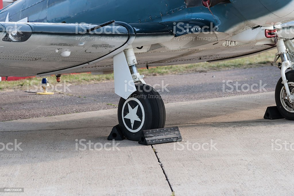 Front gear and a wing of a small aicraft foto royalty-free