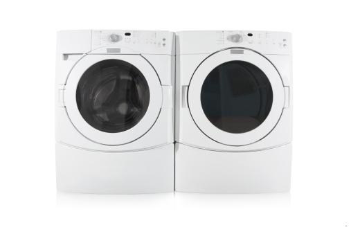 フロント負荷洗濯機と乾燥機で白背景 - 人物なしのストックフォトや画像を多数ご用意