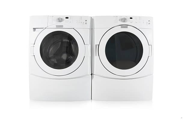 フロント負荷洗濯機と乾燥機で、白背景 - 衣類乾燥機 ストックフォトと画像