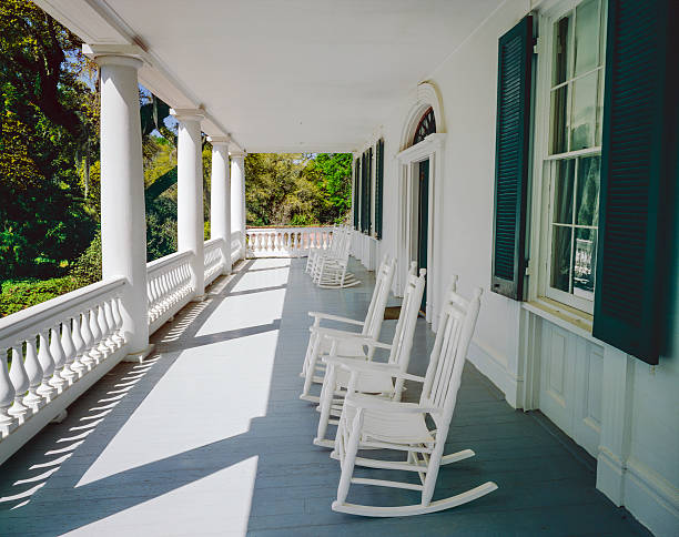 Front porch and rocking chairs (P) Relaxing in the Old South southern usa stock pictures, royalty-free photos & images