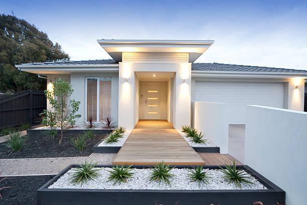vista frontal de um lar contemporâneo quando estiver na austrália - fachada - fotografias e filmes do acervo