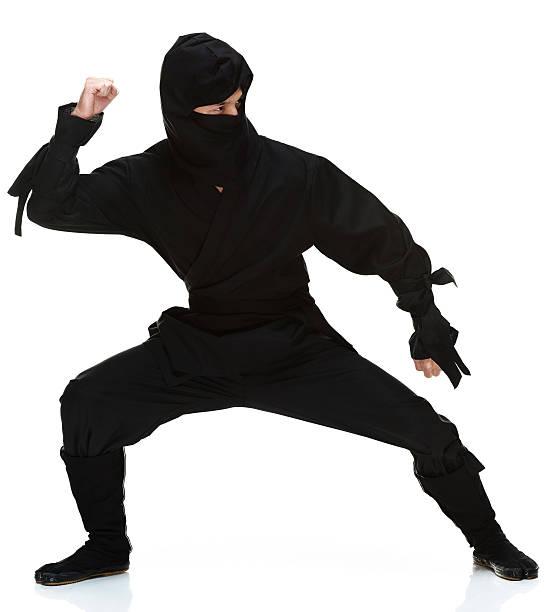 vista frontal de ninja - ninja fotografías e imágenes de stock