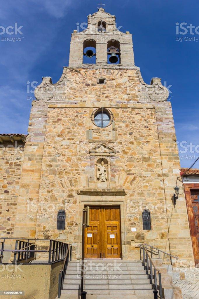 Vista frontal de la iglesia de San Francisco de Astorga, España - foto de stock