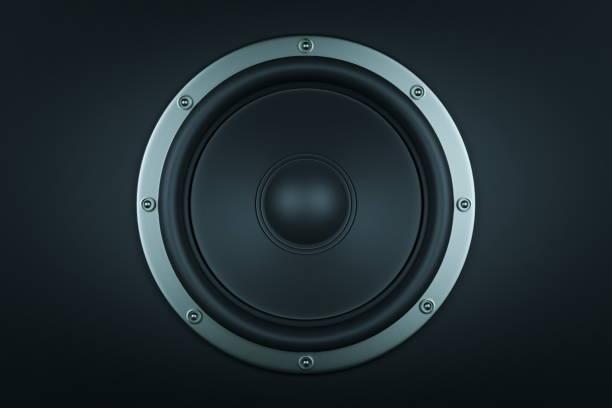 frontal image of audio speaker - 3d render - altoparlante hardware audio foto e immagini stock
