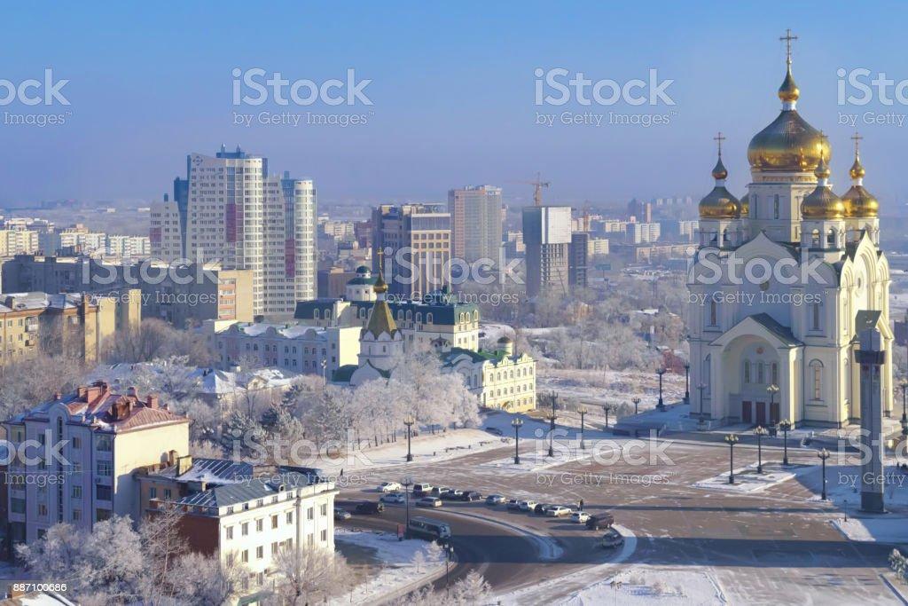 Frost morgens in Chabarowsk. Die Verklärungskirche. Fernost, Russland. – Foto