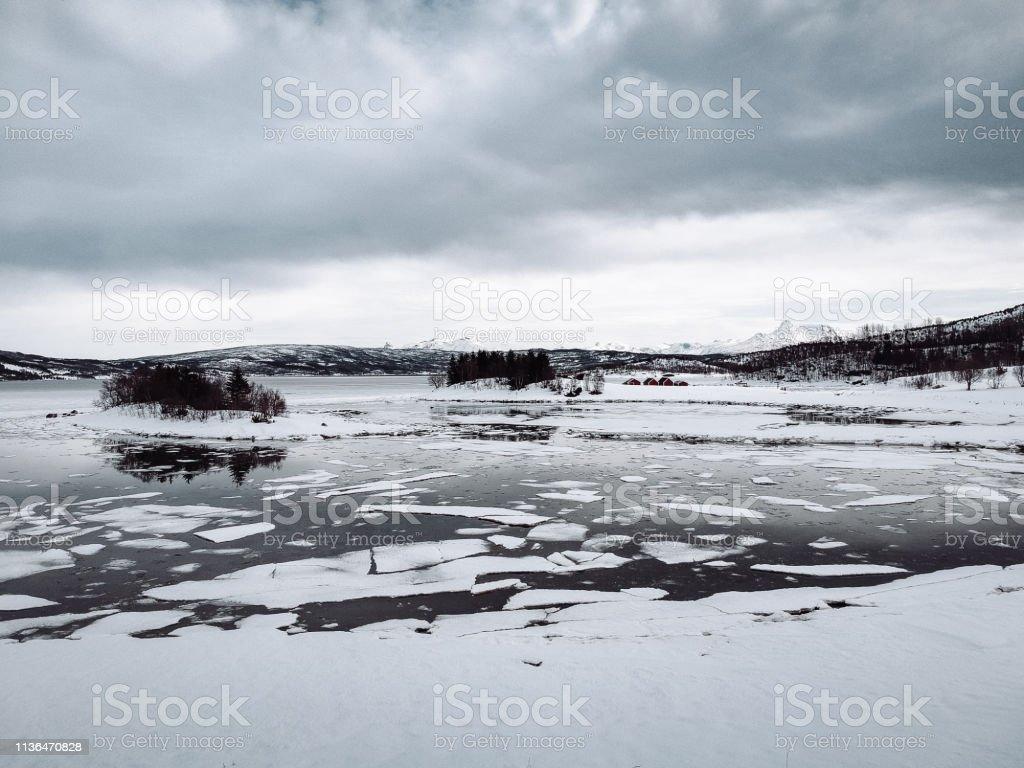Tiefgefrorenes Eis am Lofoten – Foto