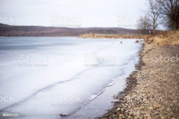 얼어붙은 호수 0명에 대한 스톡 사진 및 기타 이미지