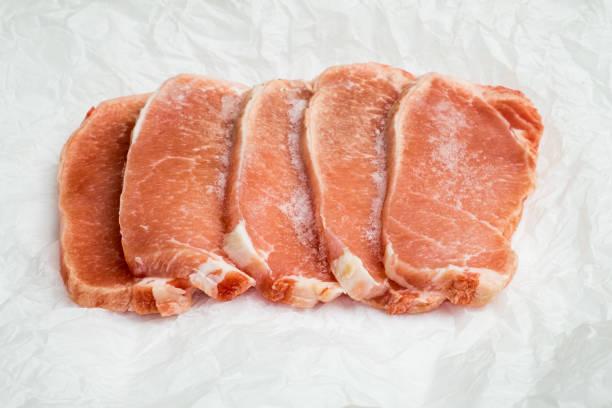 gefrorene fleisch - gefrierschrank frühstück brötchen stock-fotos und bilder