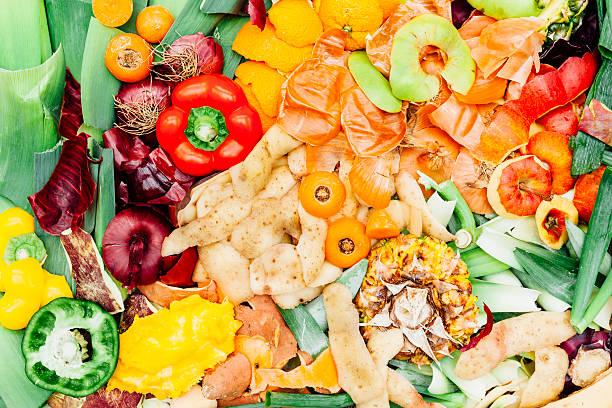 fruits et légumes de fond de recyclage des déchets - détritus photos et images de collection