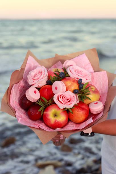Fruit bouquet picture id1058403758?b=1&k=6&m=1058403758&s=612x612&w=0&h=lzmmidrz adms0koczpi8f5janpdosu1owdqok41dcy=