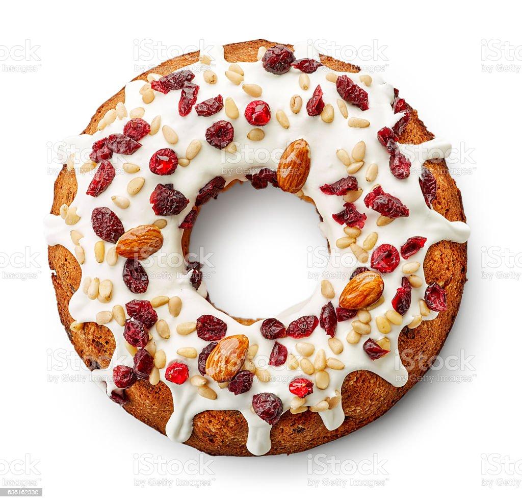 Gâteau aux fruits sur fond blanc - Photo