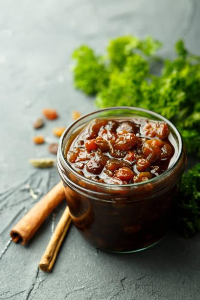 frucht-chutney - zimt gurken stock-fotos und bilder