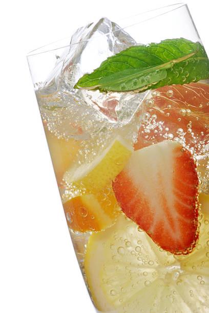 frucht-cocktail - innocent saft stock-fotos und bilder