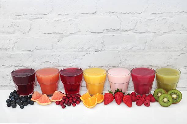 jus de fruits et des boissons - jus de fruit photos et images de collection