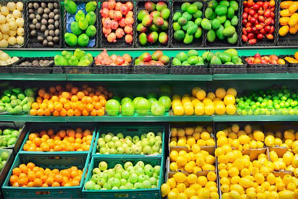 mercato della frutta - bazar mercato foto e immagini stock