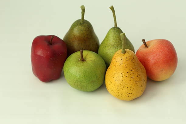 Fruits sur fond blanc - Photo