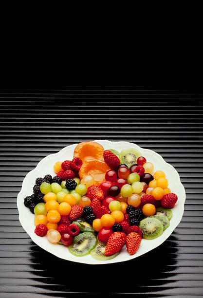 Plato de frutas - foto de stock