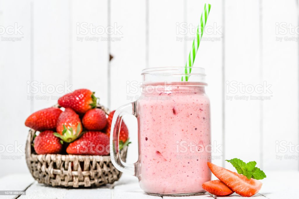 Fruit Smoothie With Strawberries Milkshake With Fresh Strawberry Blended In Jar On White Background Fotografie Stock E Altre Immagini Di Alimentazione Sana Istock
