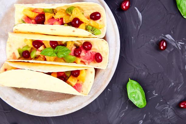 Obst Tacos. Sommer-Snacks. – Foto
