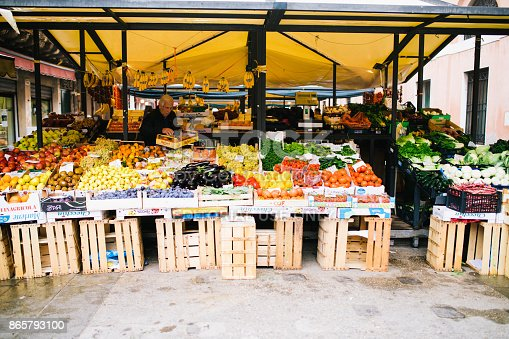 istock Fruits and vegetables at a farmers market in italy 865793100