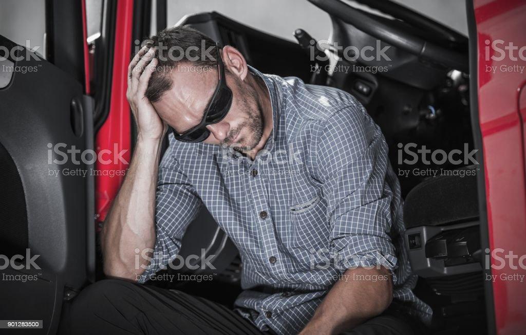 Frustrado conductor de camión - foto de stock