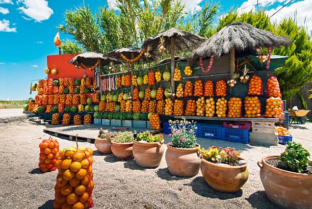 frutas en venta - ambulante foto e immagini stock