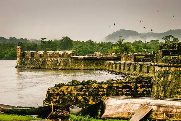 Carrés). Lorenzo Colon du Canal de Panama - Photo