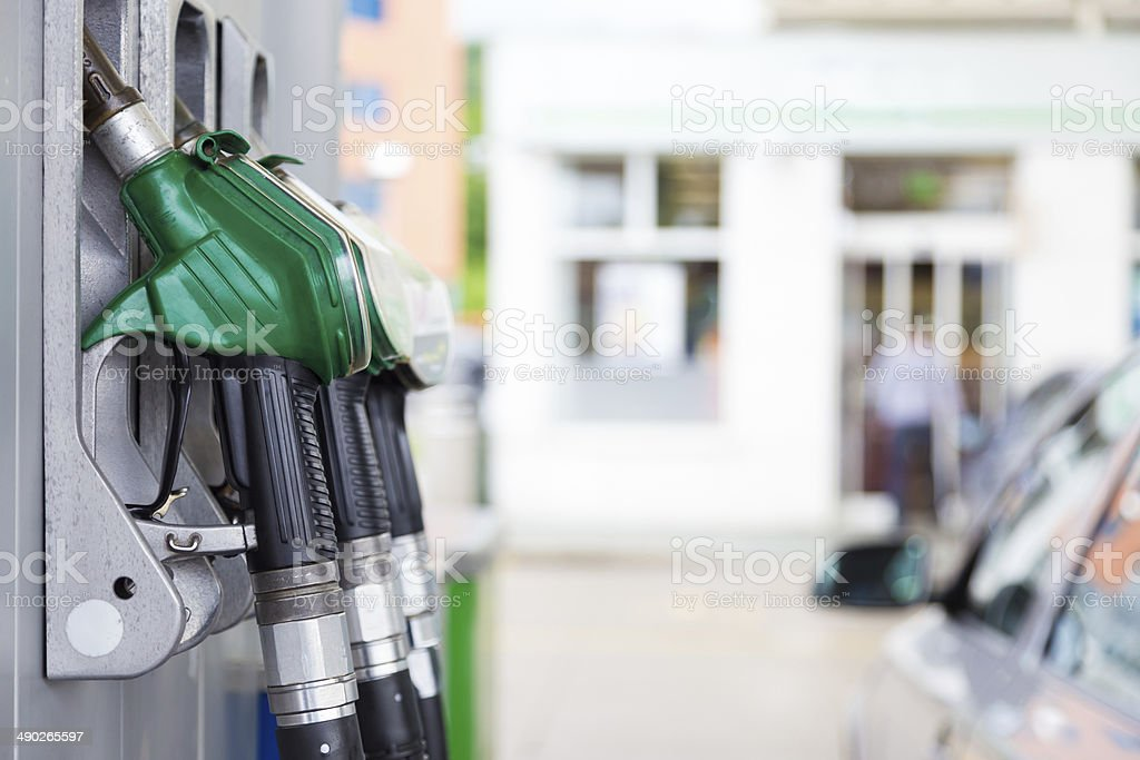 Kraftstoffpumpe in einer Tankstelle. - Lizenzfrei Abgas Stock-Foto