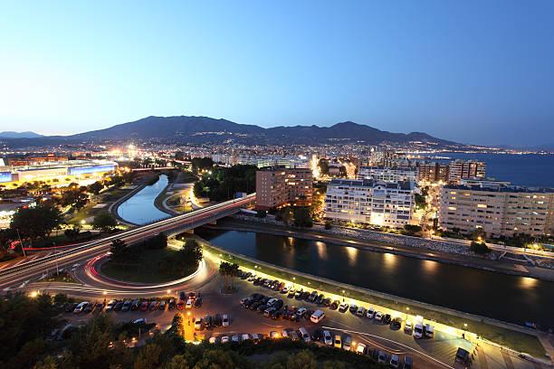 Fuengirola bei Nacht, Spanien – Foto