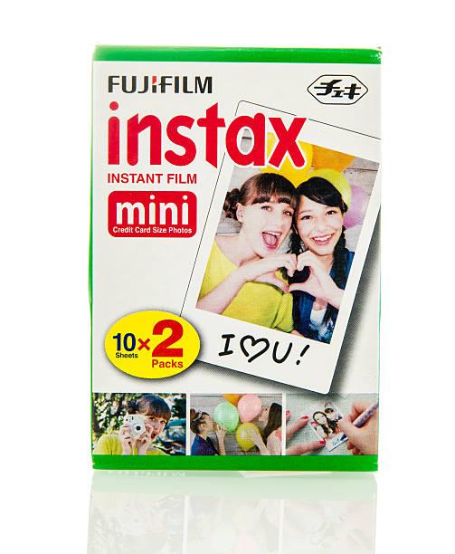 fujifilm instax instant-film - fuji sofortbildkamera stock-fotos und bilder