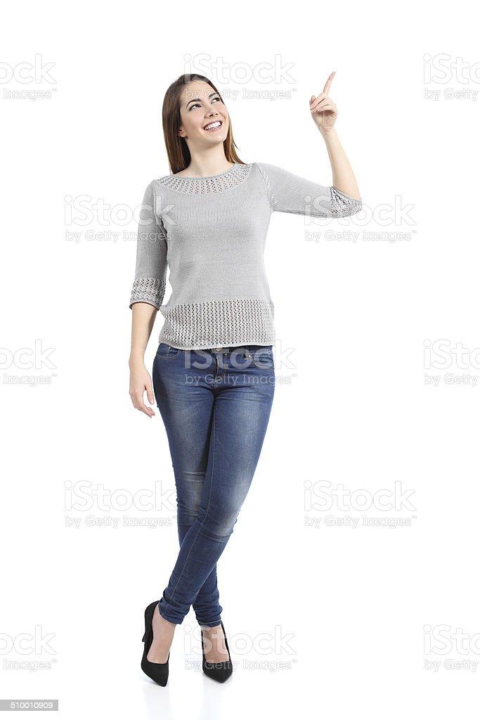 87ebb1dd4895 Completo del corpo di una casual donna in piedi rivolto a lato foto stock  royalty-